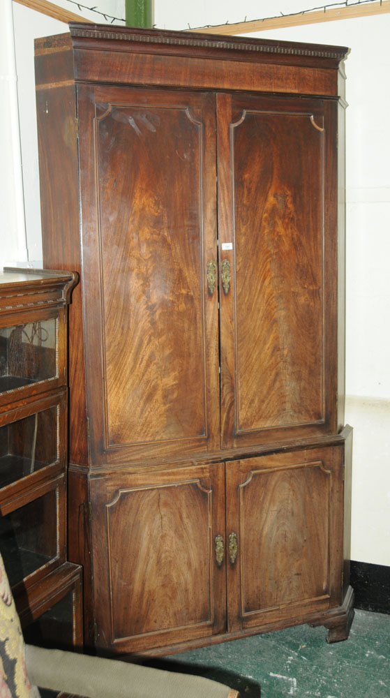 An early 19th century mahogany standing corner cupboard, - Image 2 of 13
