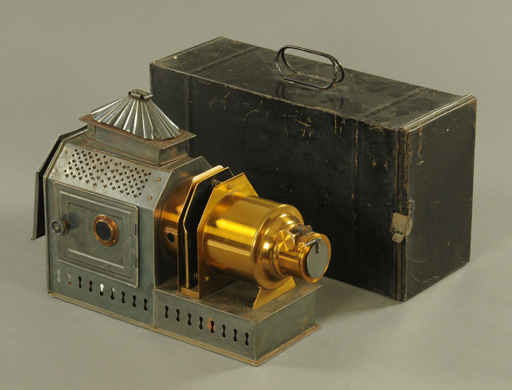 An 20th century Archer and Sons of Liverpool brass and tin plate magic lantern, 39 cm long,