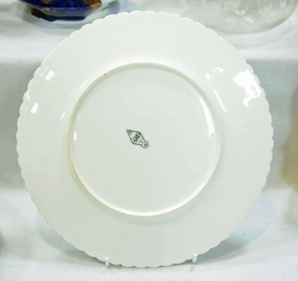 A collection of six 19th century hand painted cabinet plates, one bearing lozenge registration mark, - Image 7 of 15