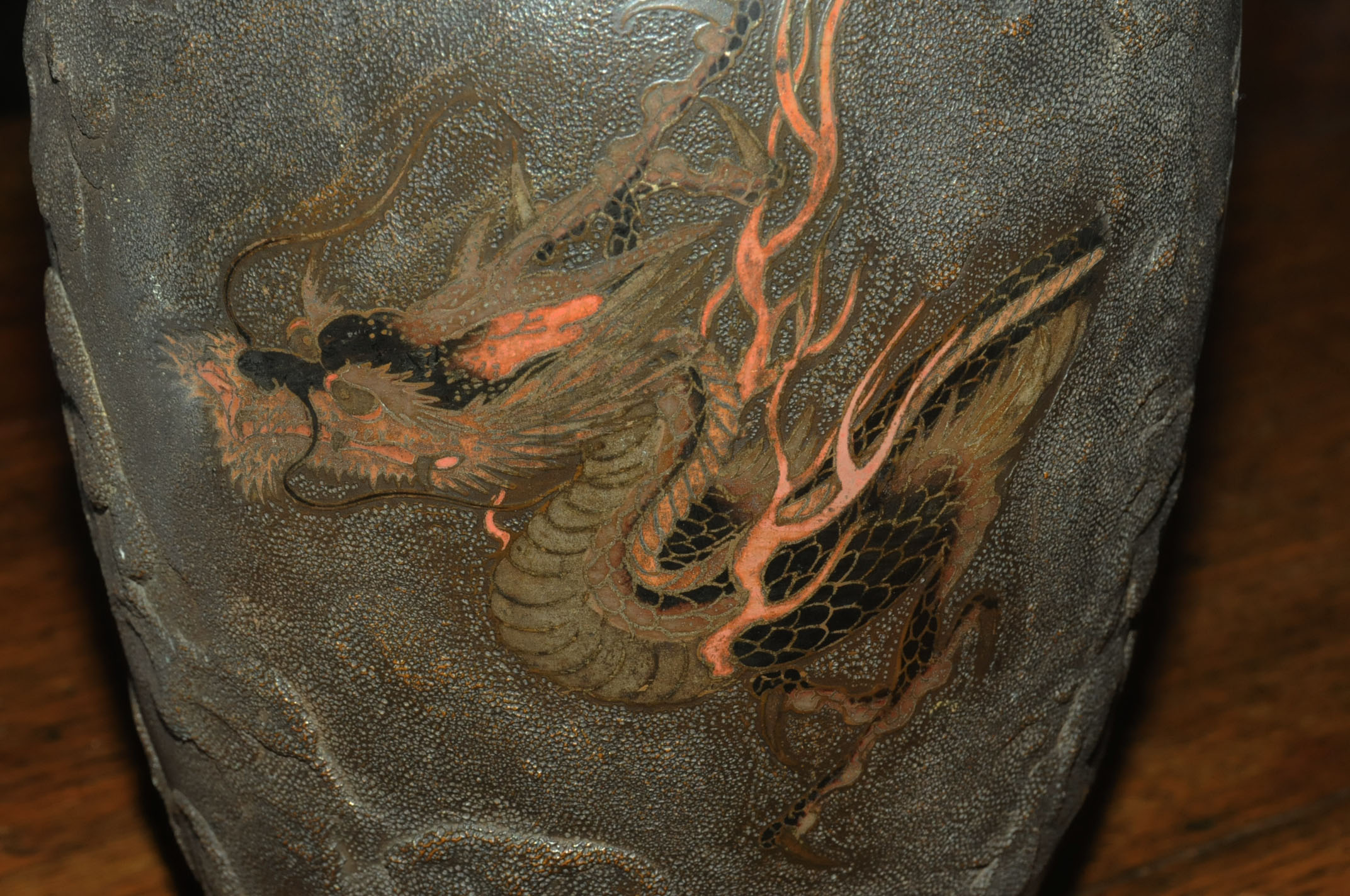 A pair of Japanese bronze vases, decorated with chasing dragons. Height 26 cm. - Image 7 of 11