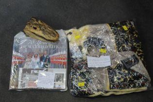 Alligator head, commemorative stamps, Turkish prayer mat 103 cm/ 68 cm,