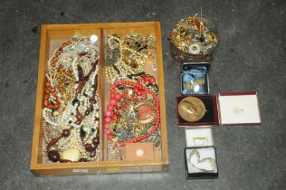 Tray and tin of costume jewellery