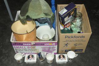 Box of glassware,