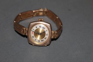 An early 20th century 9 ct gold cased wristwatch,