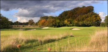 "Improve your golf 2 hours of golf lessons @ Minchinhampton Golf Club includes ""Trackman"" facility,"