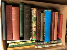 Two boxes of vintage books on the subject of garde