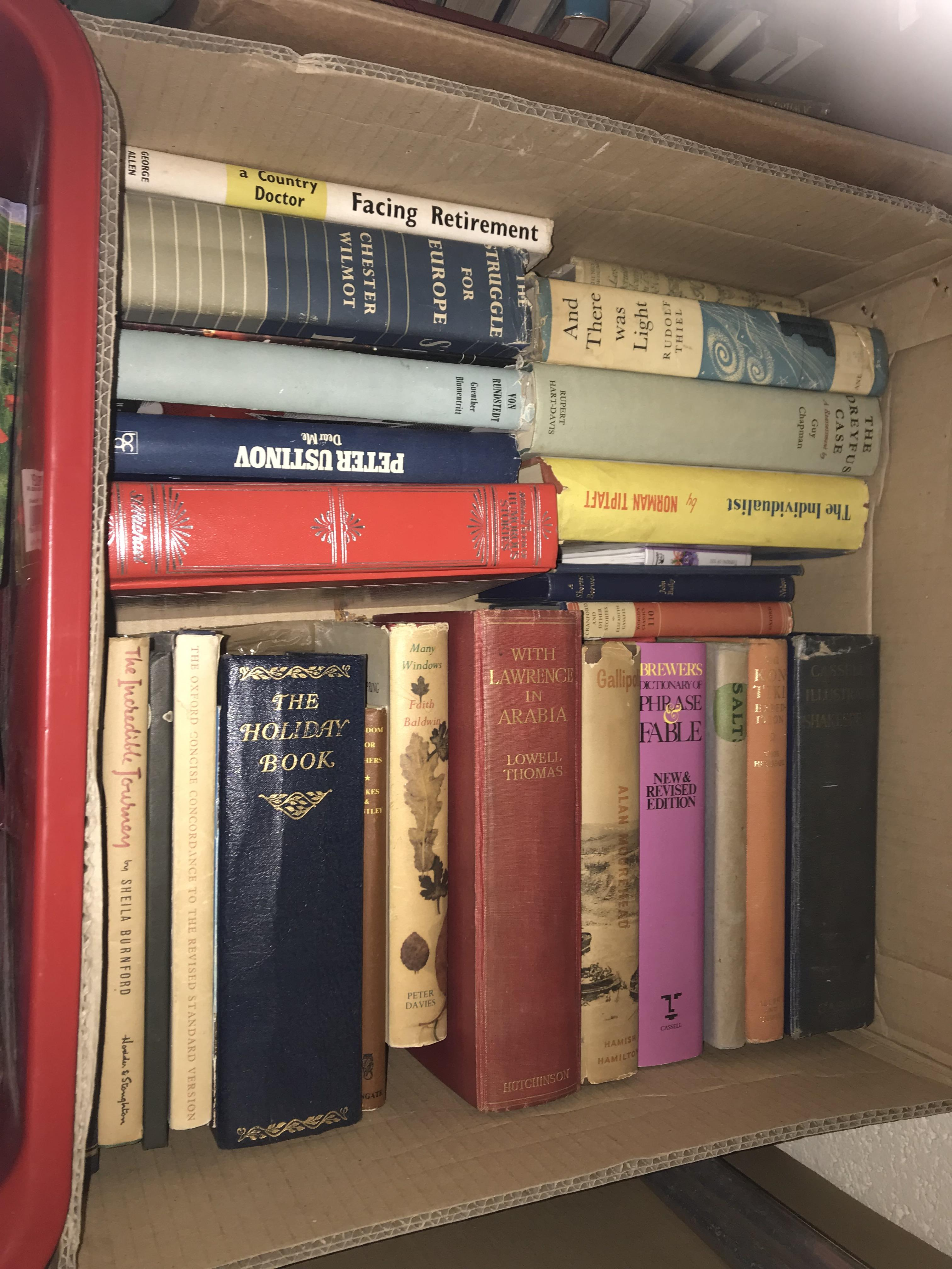 Eleven boxes of assorted books, mainly novels or historical subjects - Image 10 of 11