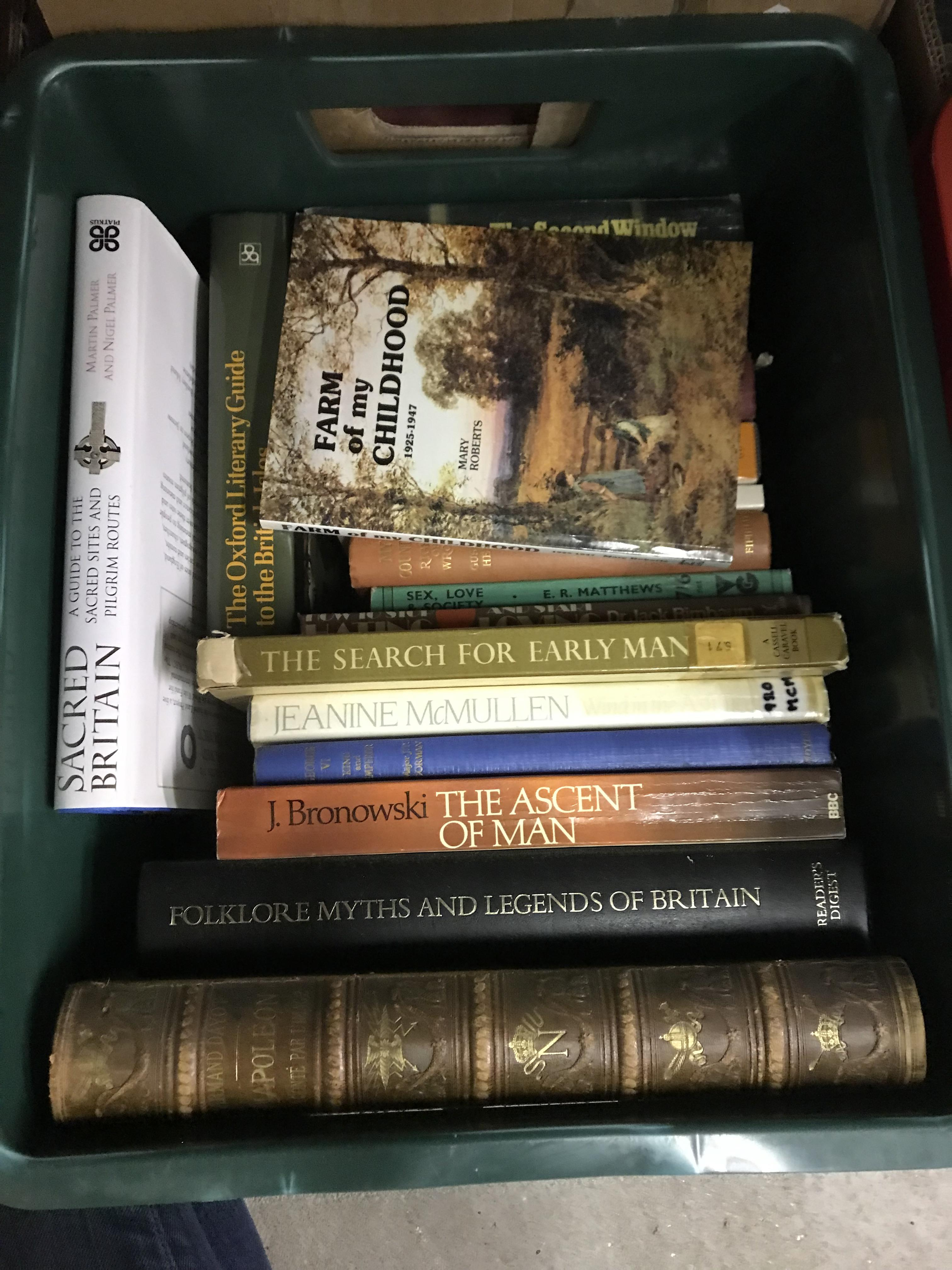 Eleven boxes of assorted books, mainly novels or historical subjects - Image 8 of 11