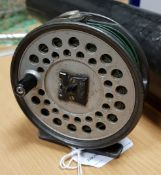 """A Hardy """"Viscount 130"""" trout fly reel 9 cm"""
