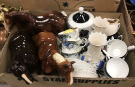 A box containing assorted Wedgwood and Royal Doulton, etc collectors' plates, two boxes of