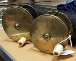 """Two brass salmon fly reels by C. Farlow, one 35/8"""" 9.5 & 8.5 cm"""