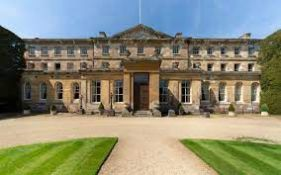 Cirencester Park with Lady Bathurst - A Guided Tour for four people of The Mansion,