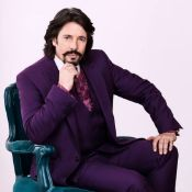 Iconic bespoke Laurence Llewelyn-Bowen suit, shirt and tie,