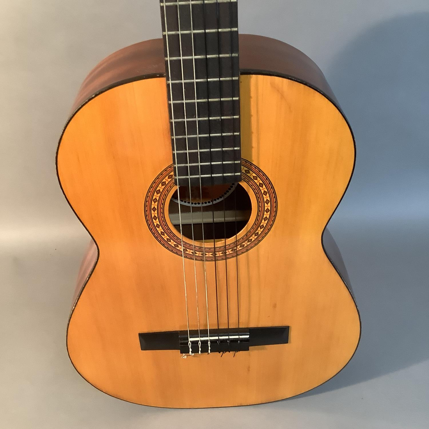 An Admira Almeria classical guitar with Oregon pine top and Sapelli back, ebonized finger plate - Image 5 of 6
