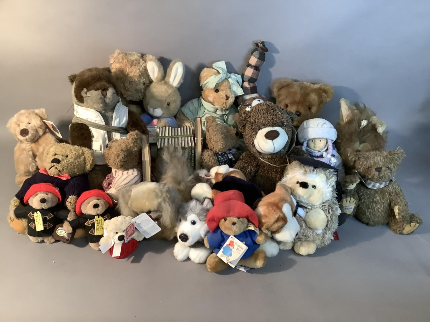 A quantity of miscellaneous plush and other soft toys, various sizes by various manufacturers - Image 2 of 3