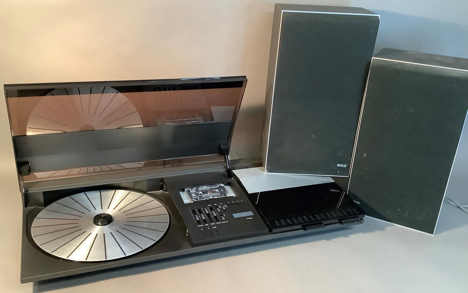A Bang & Olufsen Beocenter 2200 with pair of Bang & Olufsen Beovox X25 speakers - Image 3 of 3