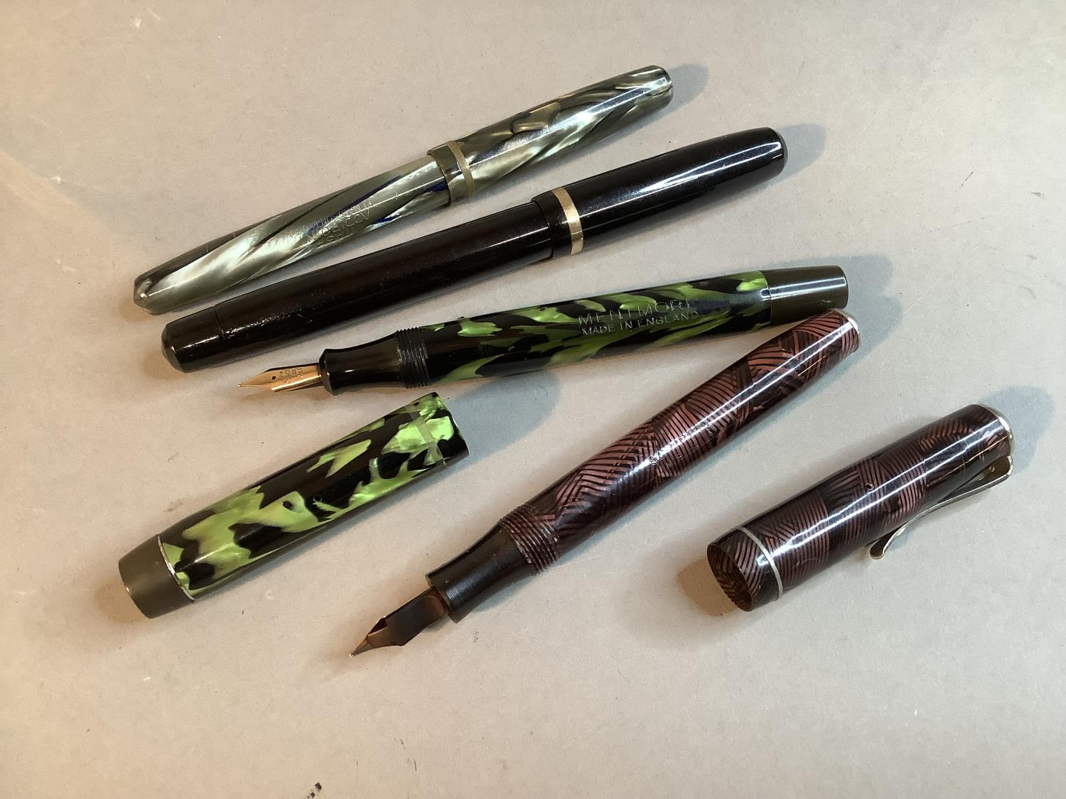 A Mentmore green and black marbled fountain pen, 14k gold nib; a Scriptor aubergine and black - Image 2 of 2