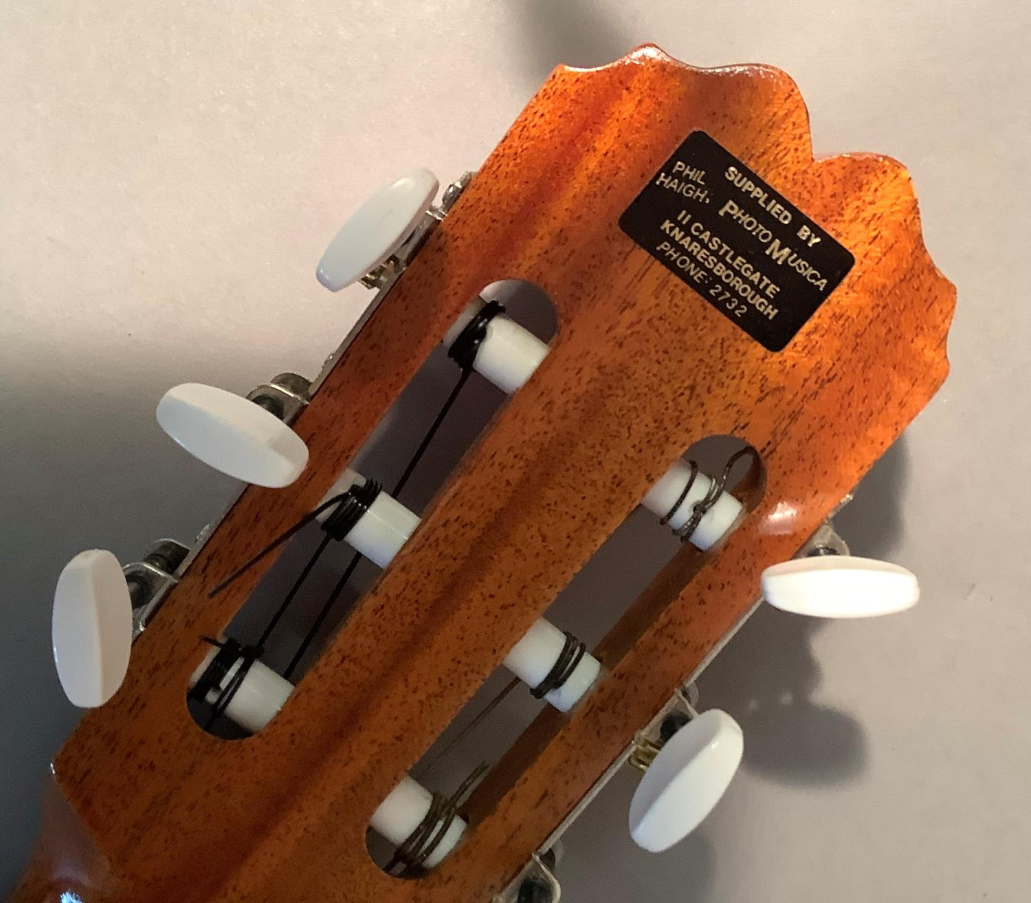 An Admira Almeria classical guitar with Oregon pine top and Sapelli back, ebonized finger plate - Image 4 of 6