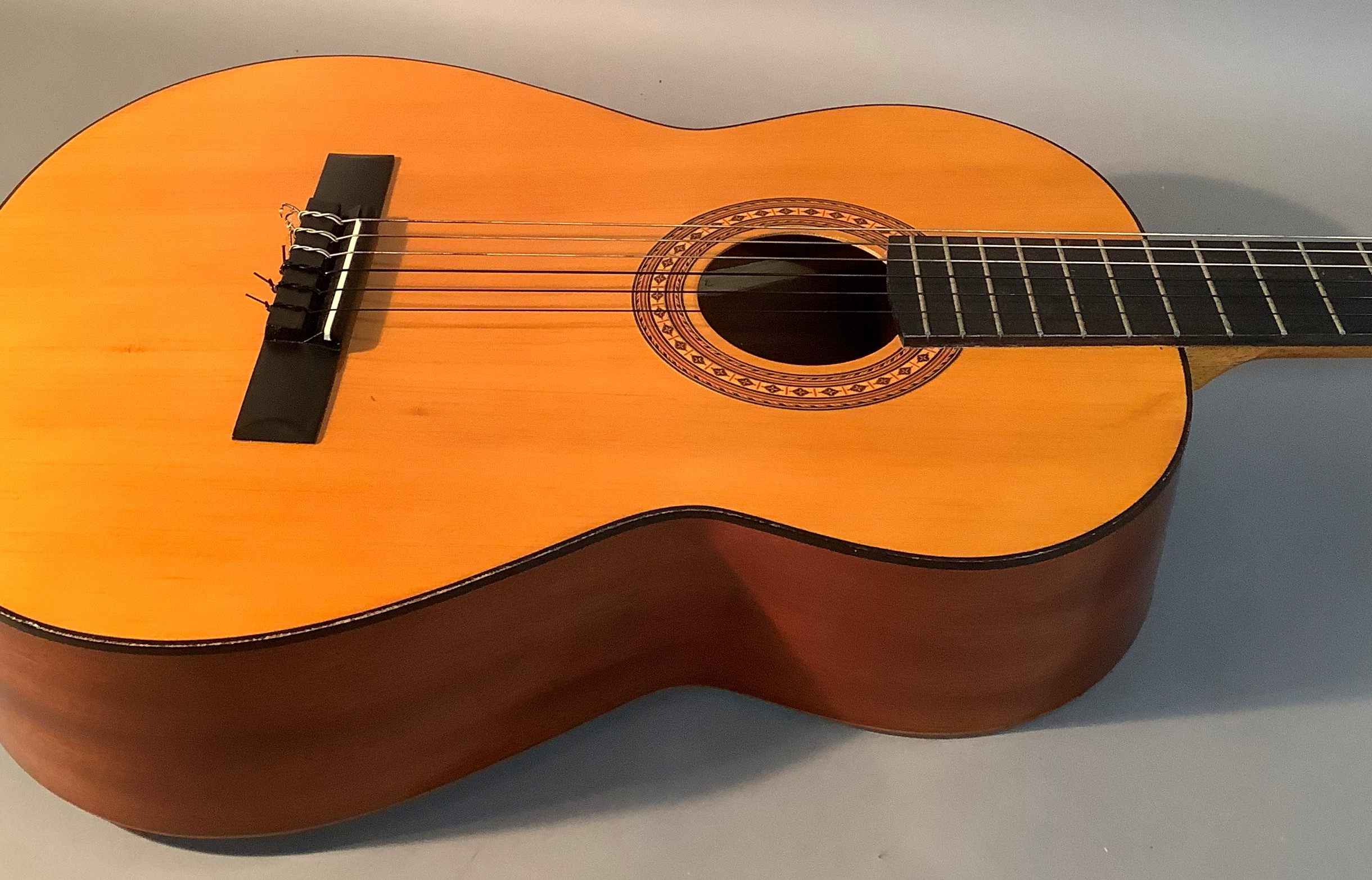 An Admira Almeria classical guitar with Oregon pine top and Sapelli back, ebonized finger plate - Image 2 of 6