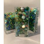 A large quantity of vintage and later marbles, 1.4cm and 2.4cm diameter
