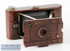 Kodak No2 Hawkette folding camera a brown bakelite example for images on 120 film, shutter appears