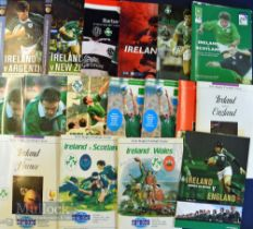 Ireland Home Rugby Programmes inc O'Reilly autograph (17): Ireland v Wales 1988 signed to front