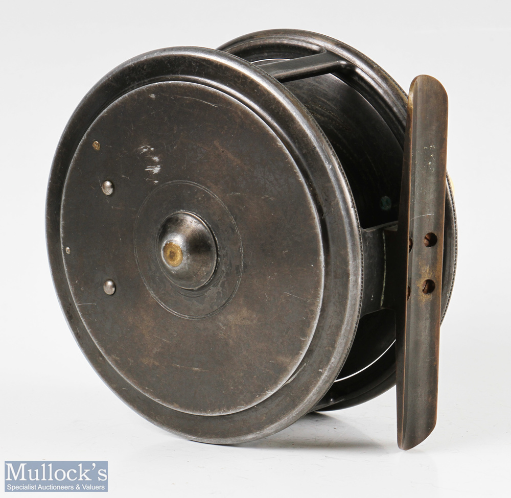 """Fine Hardy Bros Alnwick Uniqua 4 ½"""" Salmon alloy fly reel with smooth brass foot, oval latch, 1910 - Image 2 of 2"""