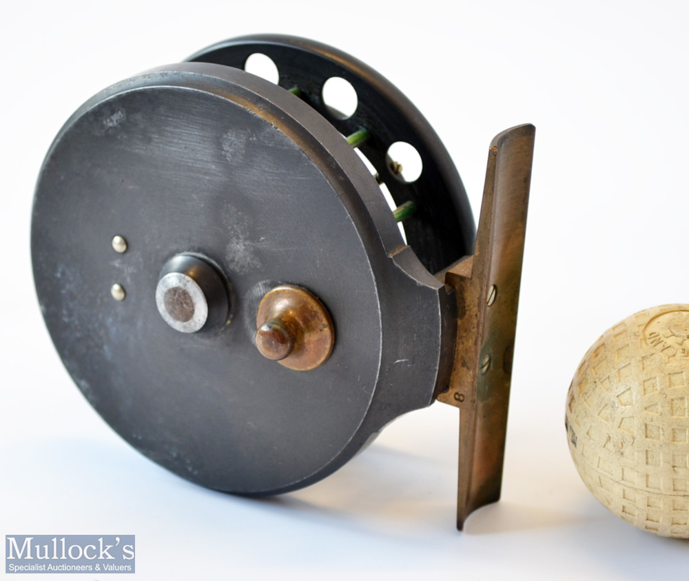"""Rare Allcocks Aerial 3"""" black lead alloy centre pin reel c1915/16 – stamped Patent to front drum - Image 2 of 2"""