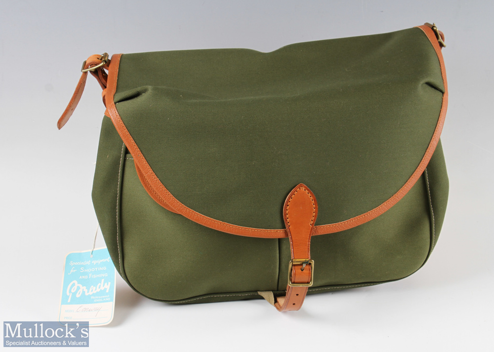 Brady Conway Fishing Creel Bag – willow basket with canvas bag front having 2 pockets and over flap,
