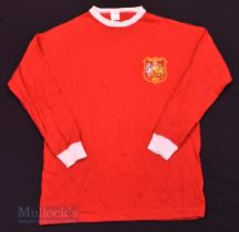 Manchester United 1963 FA Cup Final Retro Replica football shirt in red, long sleeve, size L/XL