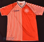 1986 Denmark International Home football shirt size large, Hummel, in red, short sleeve