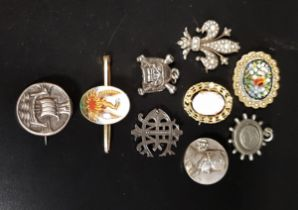 SELECTION OF VINTAGE BROOCHES AND PENDANT including a Scottish Girls Association Galleon decorated