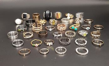 SELECTION OF SILVER AND OTHER RINGS of various sizes and designs, including amber, turquoise, CZ and