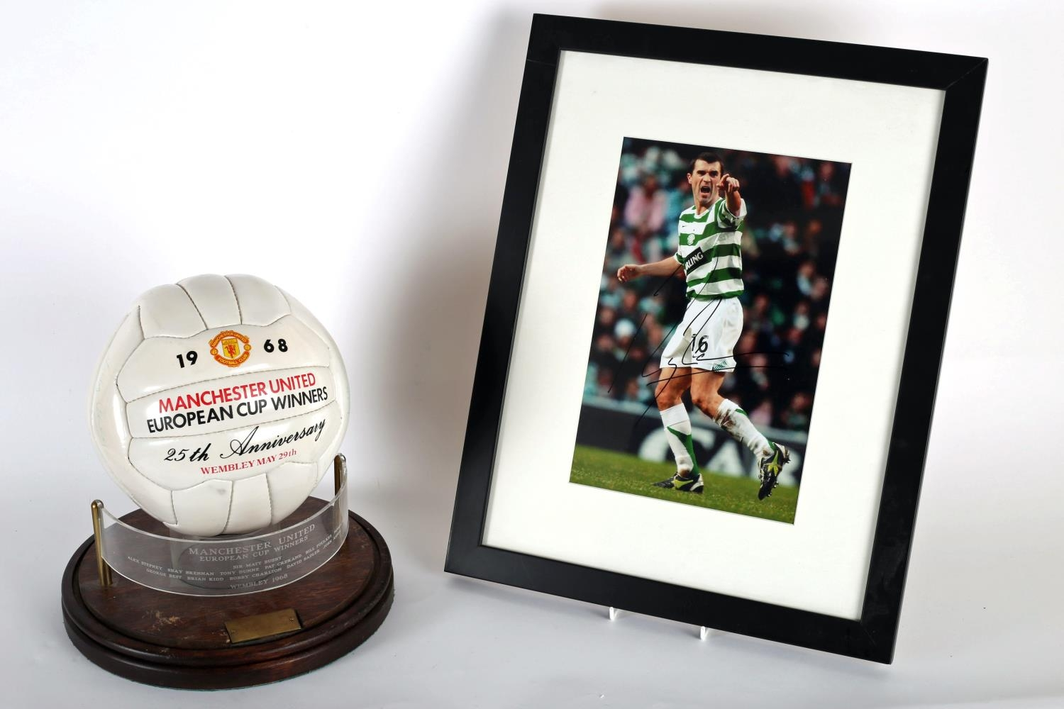 Football 2006 a colour photograph of Roy Keane, in Celtic strip, signed by Keane; together with a - Image 5 of 5