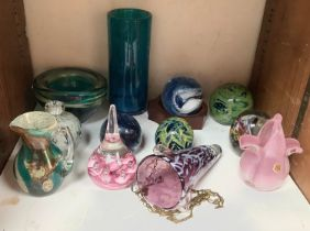 SECTION 22. Various glass paperweights and vases etc. including Isle of Wight and M'dina