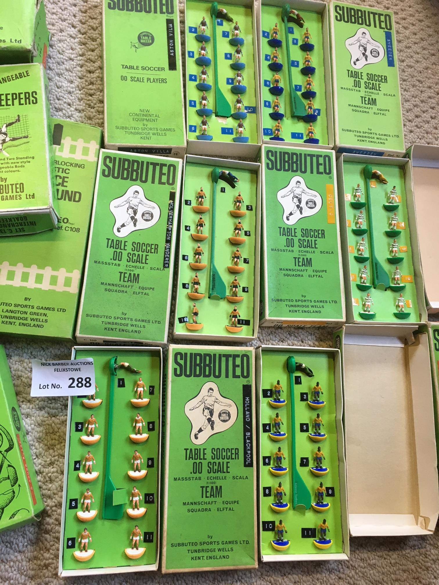 Diecast : Subbuteo - nice collection of accessorie - Image 2 of 3