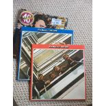 Records : BEATLES 1962/66-1967/70 albums in red/bl