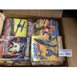 Comics : Commando comics - box generally modern is