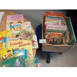 Comics/Books : lovely box of vintage annuals, book