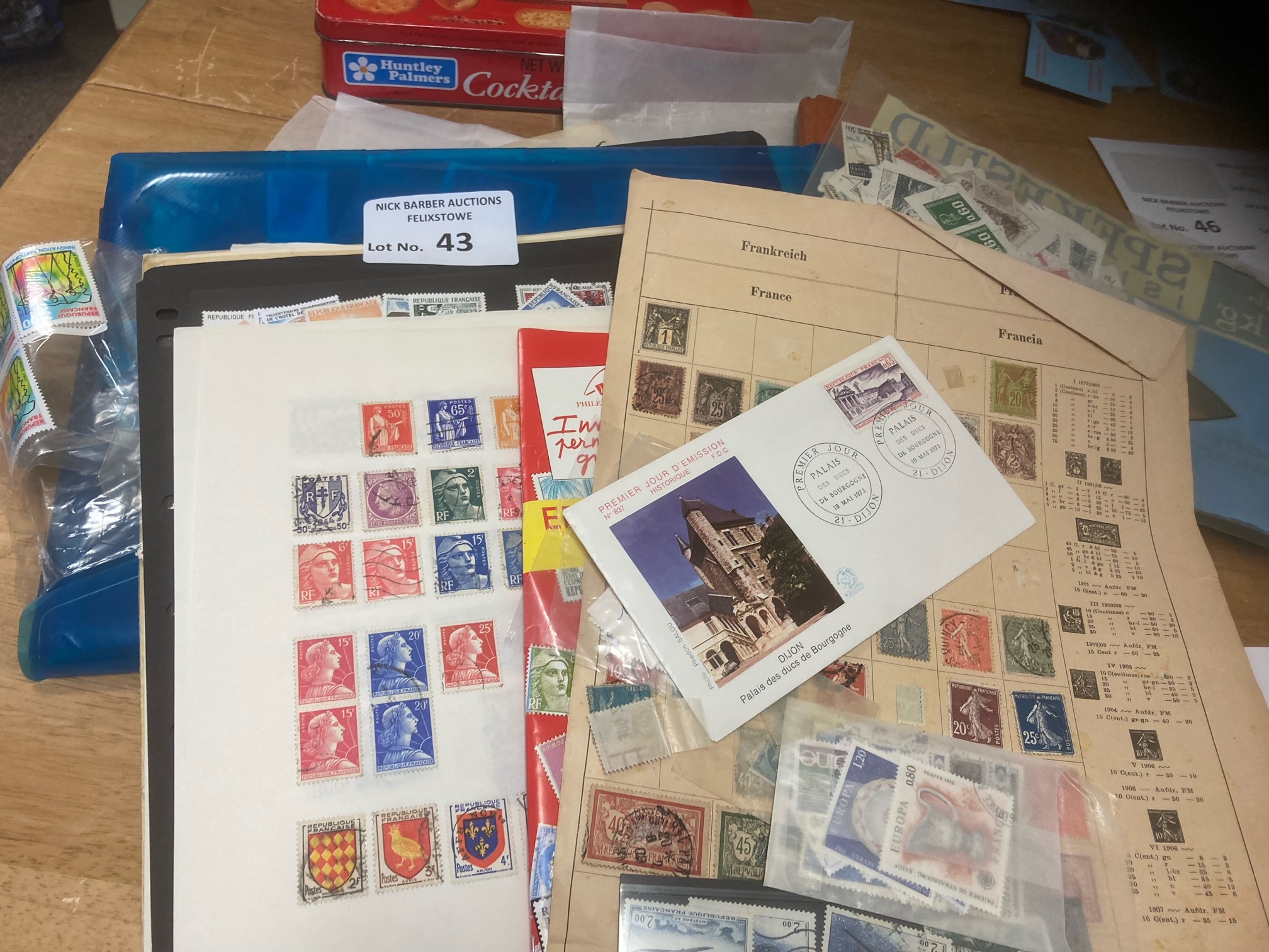 Stamps : FRANCE - small box of predominently moder