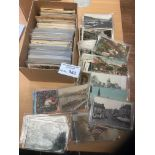 Postcards : A box of 600+ vintage Worldwide topo c