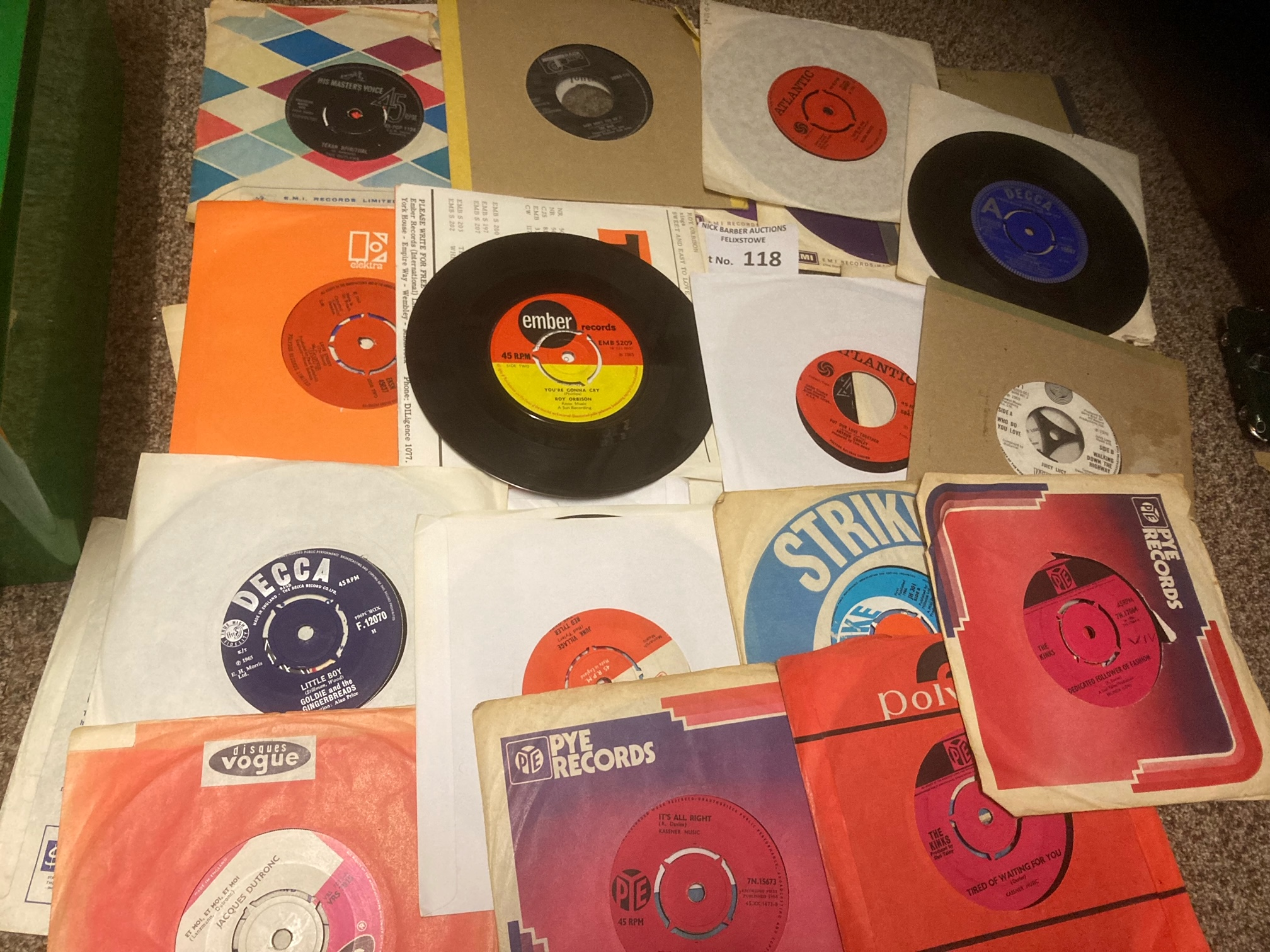Records : Box of nice lot of 45's some demos inclu - Image 2 of 3