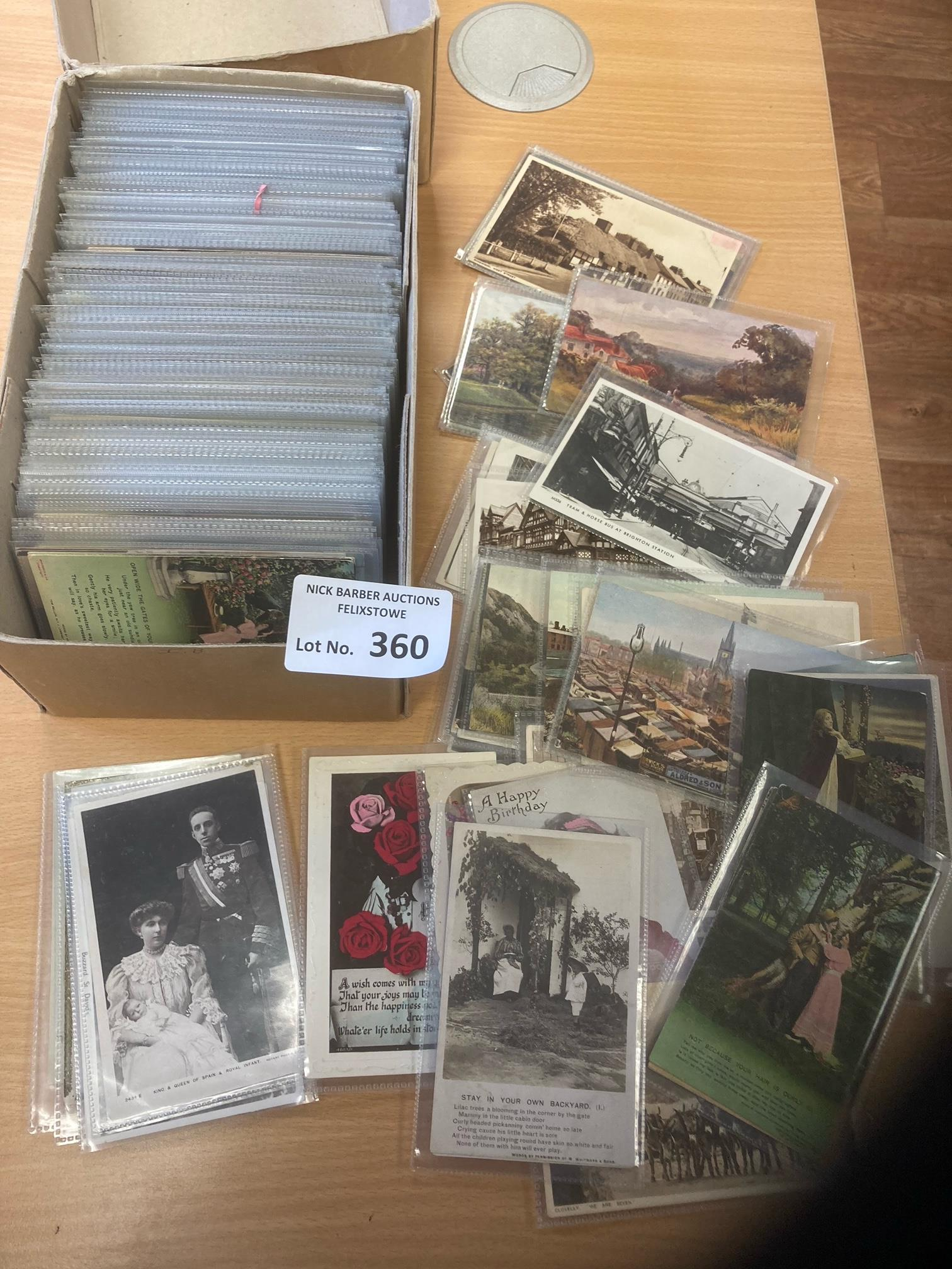 Postcards : A box of 450+ vintage postcards in s/c