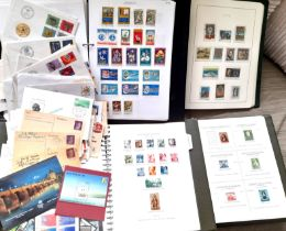 Stamps : Box of 4 Albums and one stockbook inclu