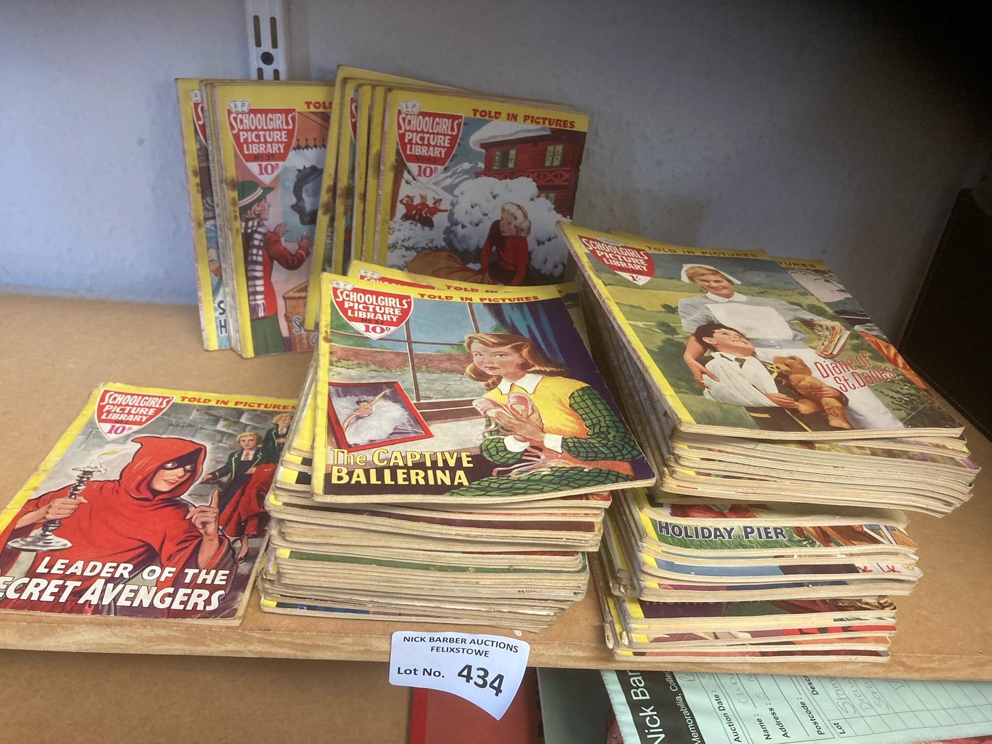 Comics : Schoolgirls Picture Library pocket size c