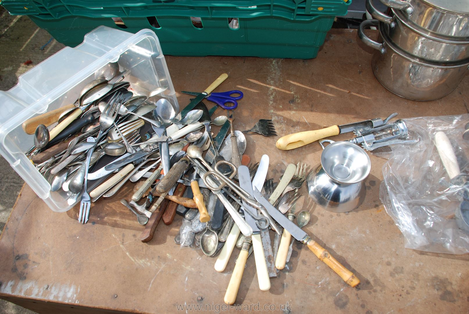 Tray of steaming pans, sundae dishes, cutlery etc. - Image 2 of 4