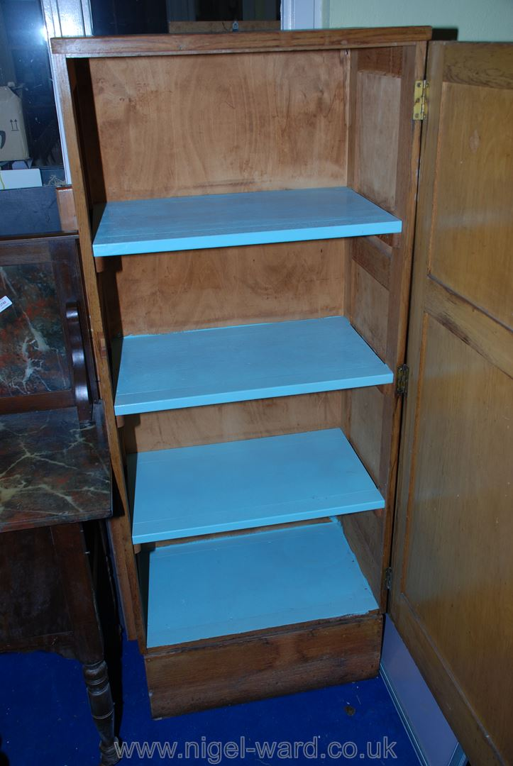 "A light Oak store cupboard having three shelves, 2' x 15"" x 60"" high. - Image 2 of 2"