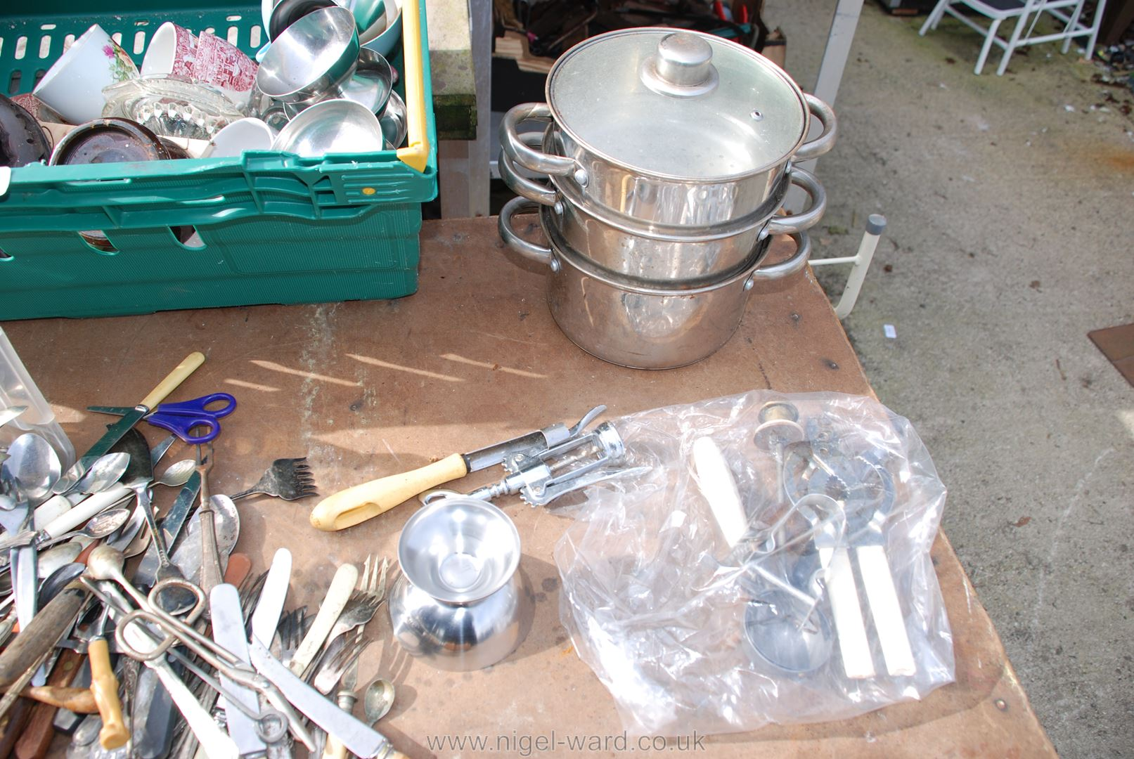 Tray of steaming pans, sundae dishes, cutlery etc. - Image 3 of 4