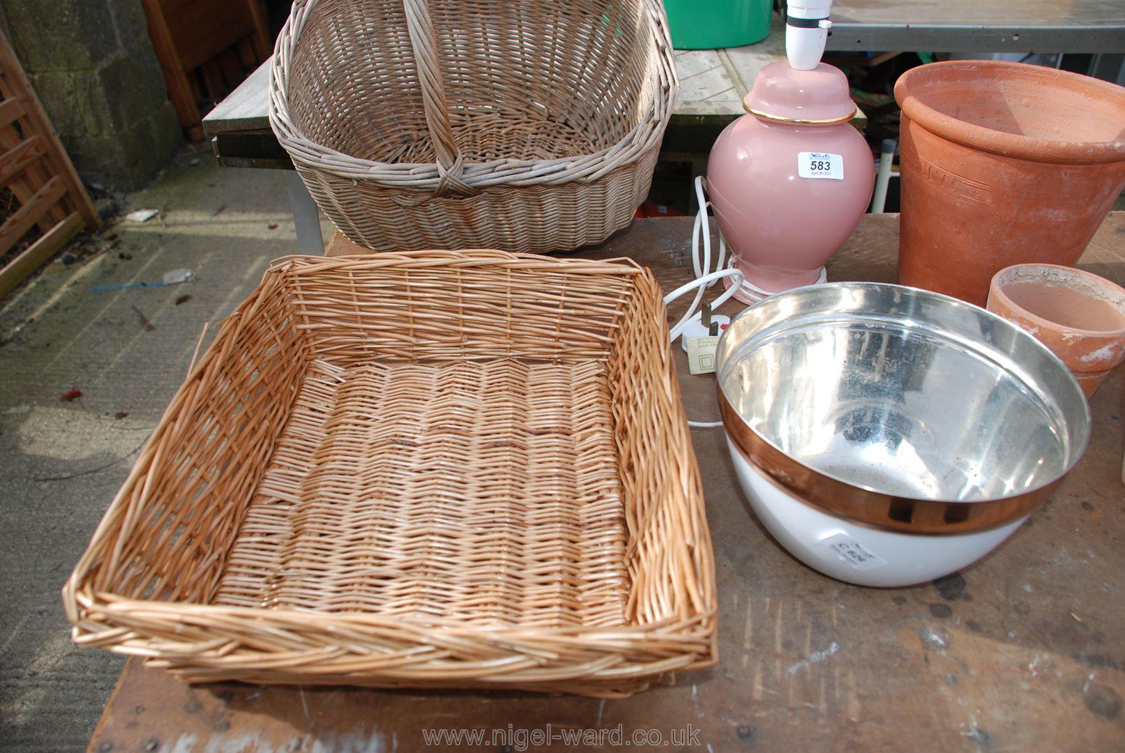 Wicker stationery basket, - Image 3 of 3
