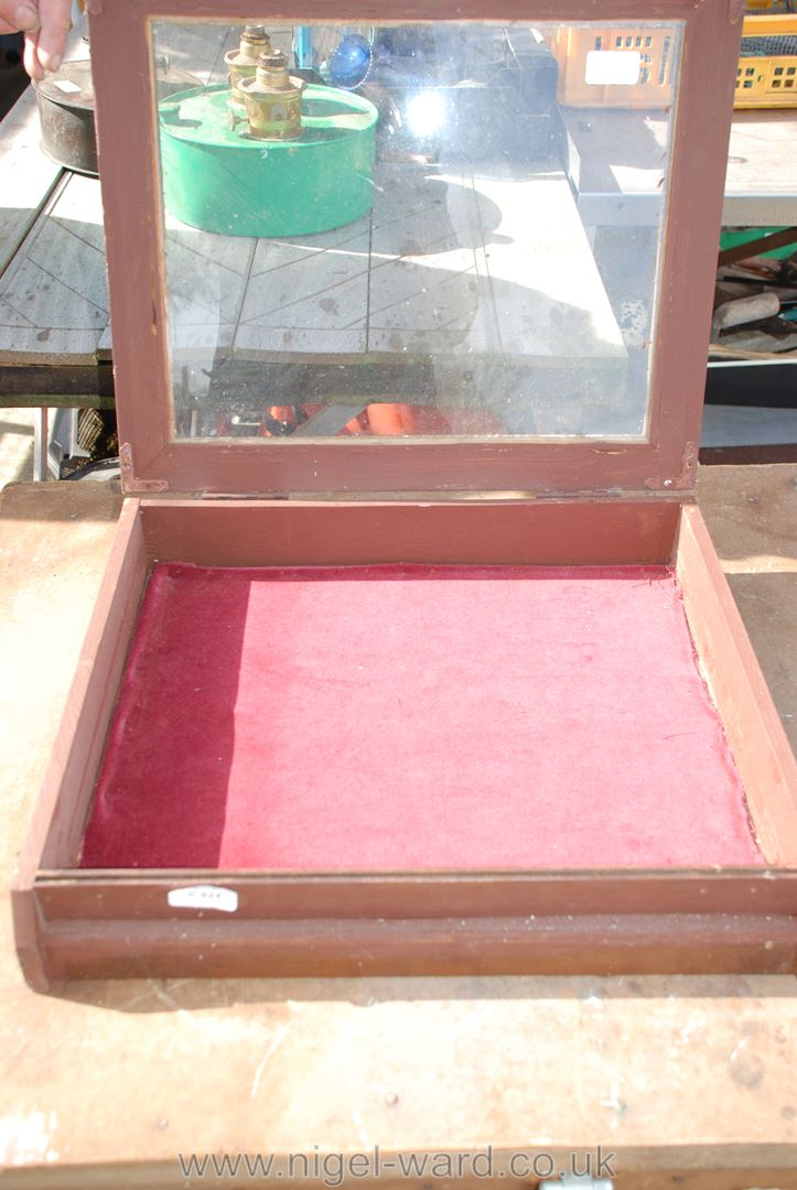 """Glass topped display case 18 1/2"""" x 16"""" x 4"""". - Image 2 of 2"""